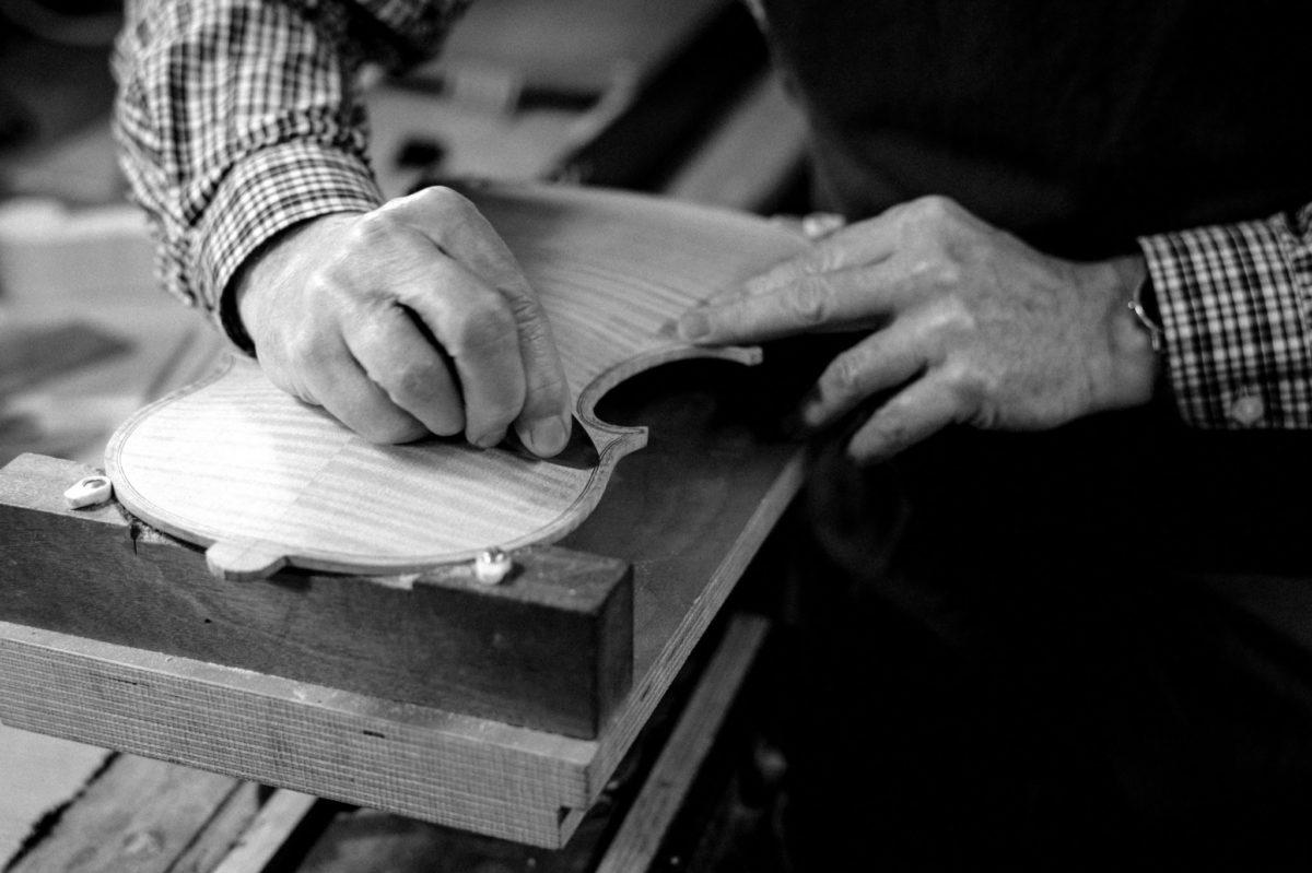 Handmade violins Padraig o Dubhlaoidh